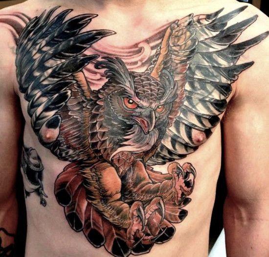 тату сова на груди