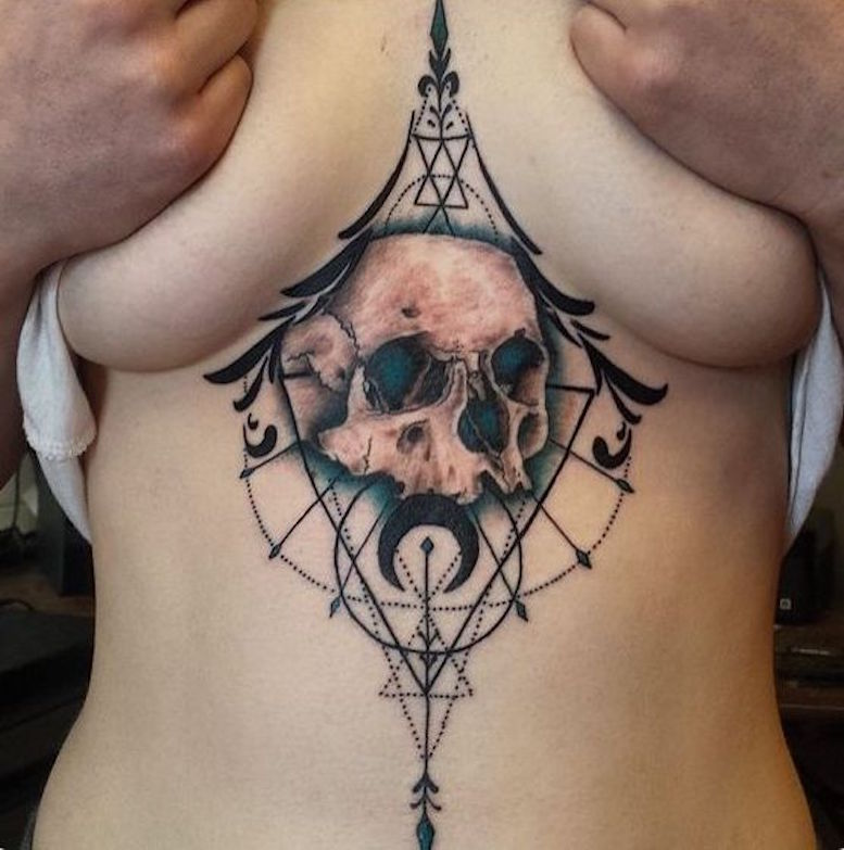 underboob on tattoo woman foto 6 foto tattoo татуировки