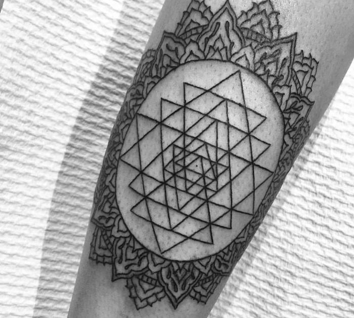идеи тату геометрия