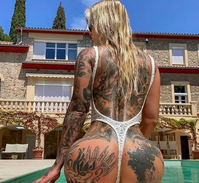 sexy bikini tattoo foto 12 foto tattoo татуировки