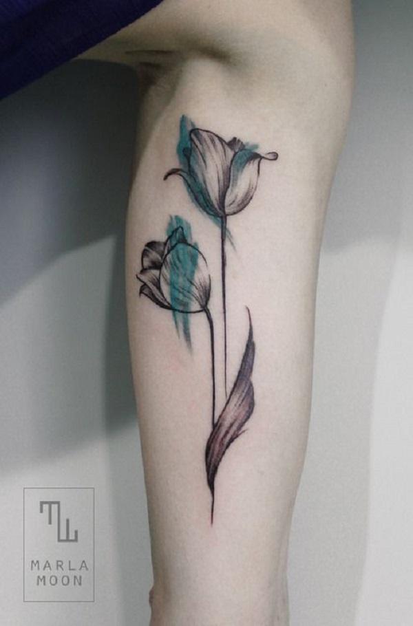 20 красивых тату тюльпан для девушек10