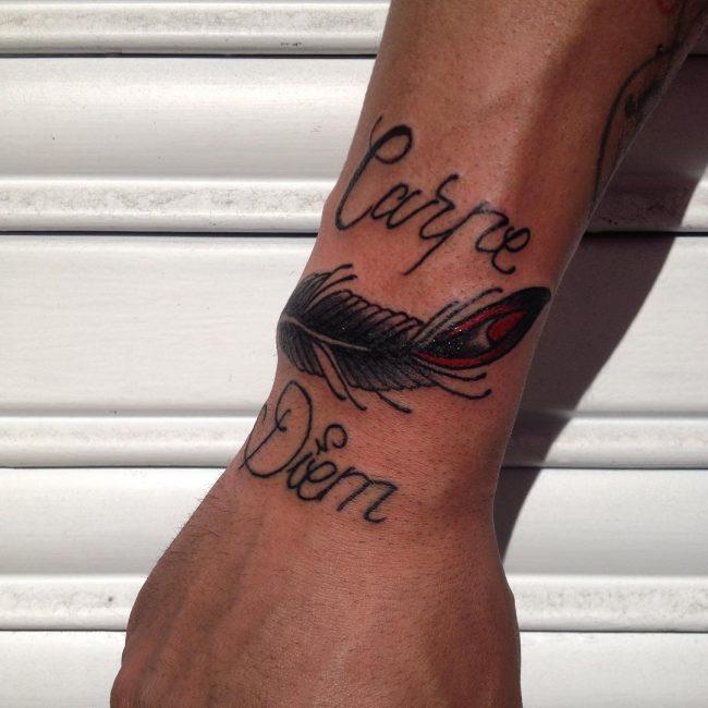 Фото и значение татуировок Carpe Diem10