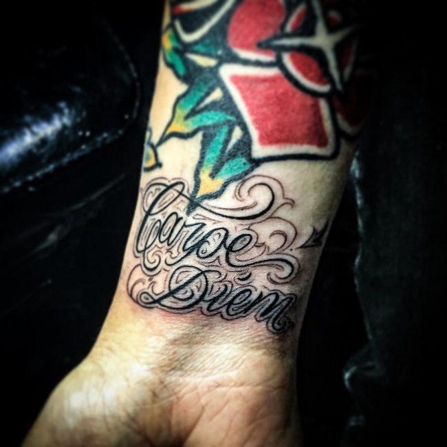 Фото и значение татуировок Carpe Diem41