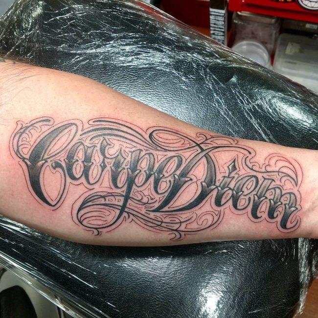 Фото и значение татуировок Carpe Diem63