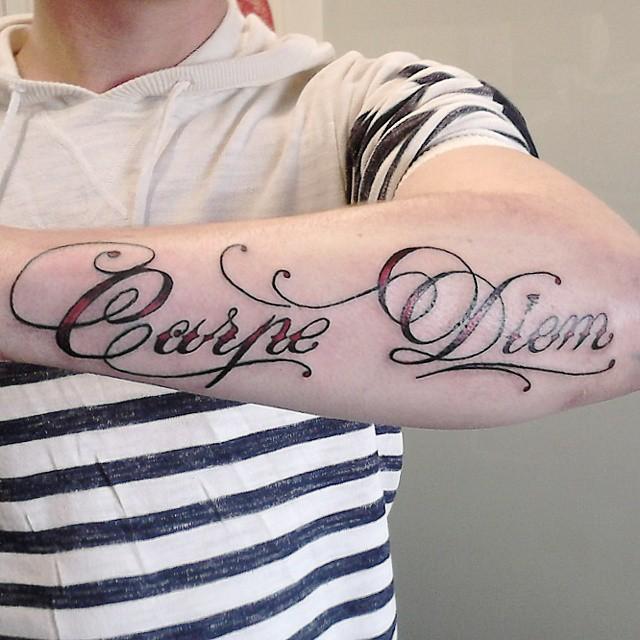 Фото и значение татуировок Carpe Diem52